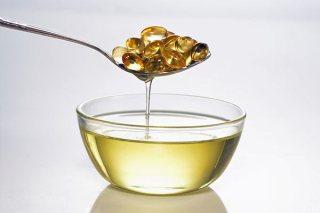 Retinol có tác dụng chống các gốc tự do giúp tăng cường lượng collagen dưới da